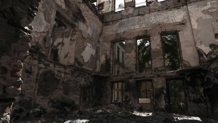 Das Nationalmuseum Brasiliens ist durch einen Brand im September schwer beschädigt worden, 90 Prozent der Ausstellungsstücke wurden zerstört - Brandursache war die Klimaanlage. (Archiv)