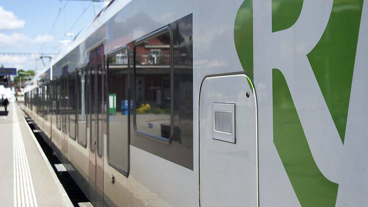 Ein Flirt-Zug der Regio-S-Bahn Basel. (Archivbild)