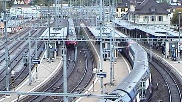 Die Webcam hält das Geschehen rund um das Bahnhof-Areal fest – dieser Schnappschuss stammt vom Montagmorgen.