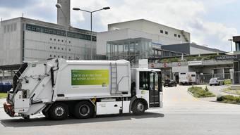 Ältere Kehrichtfahrzeuge aus einem unbewilligten Museum von Entsorgung + Recycling Zürich werden am 24. Oktober versteigert.