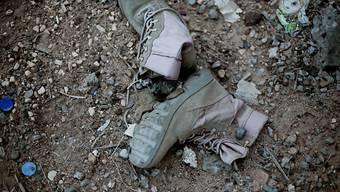 Zurückgelassen in Ramadi: Nach der Vertreibung der Terrormiliz Islamischer Staat aus der irakischen Stadt kamen dort mehrere Massengräber zum Vorschein.