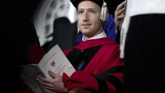 Facebookgründer Mark Zuckerberg hat die Ehrendoktorwürde von der Harvard-Universität erhalten.
