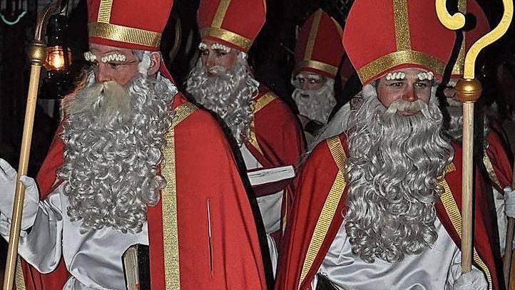 Für den Samichlausverein Bad Zurzach ist dieses Jahr nicht Bischofsstab und Mirta, sondern Stift und Papier angesagt.