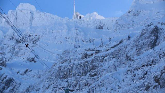 Soviel Schnee wie noch nie Mitte Mai: Sieben Meter sind's auf dem Säntis.