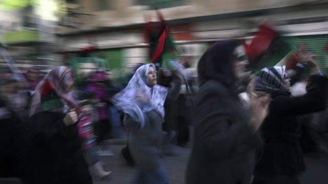 Frauen demonstrieren in Benghasi gegen Gaddafi