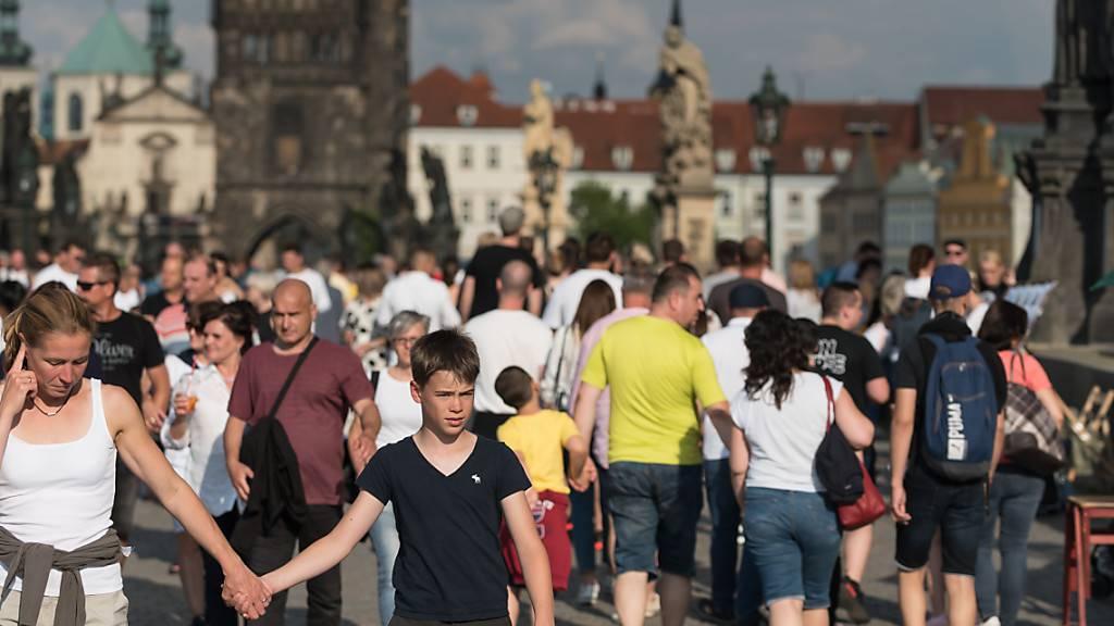 Corona-Fallzahlen in Tschechien steigen weiter