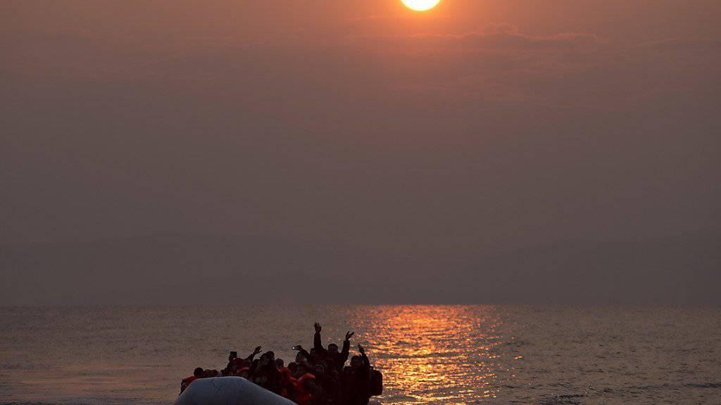 Immer wieder geraten Flüchtlinge in der Ägäis in Seenot. (Archivbild)