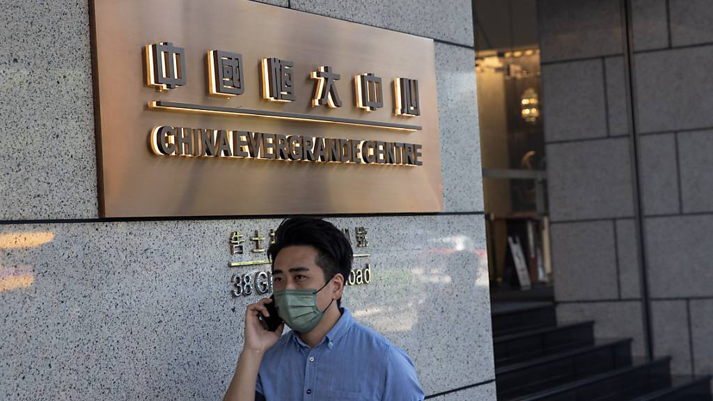 Chinas Immobilienriese Evergrande wendet Zahlungsausfall ab