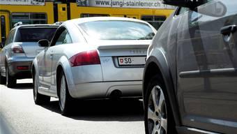 Gerade in den Städten belastet der dichte Verkehr mit entsprechend viel Abgasen die Luft. (Archiv)