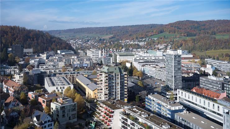 Blick auf das Badener Industrieviertel: Die Steuereinnahmen der juristischen Personen fielen besser aus als budgetiert.