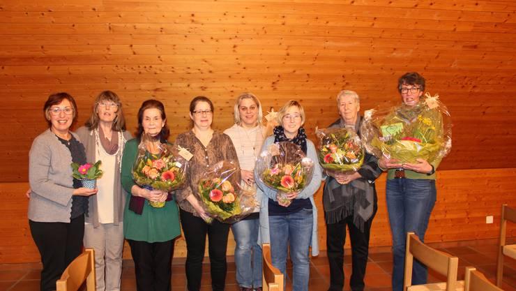 von li nach re. Ciccone Doris( neues Vorstandsmitglied, Ursula von Däniken, Monique Gasser (42 Jahre Fahrdienst und Beisitzerin), Theres Jäggi (10 Jahre Kassierin) Andrea Aregger (neue Vermittlerin) Gaby Kuhn (abtretende Vermittlerin), Margrith Schopfer (25 Jahre Vizepräsidentin), Gabi von Arx (scheidende Präsidentin)