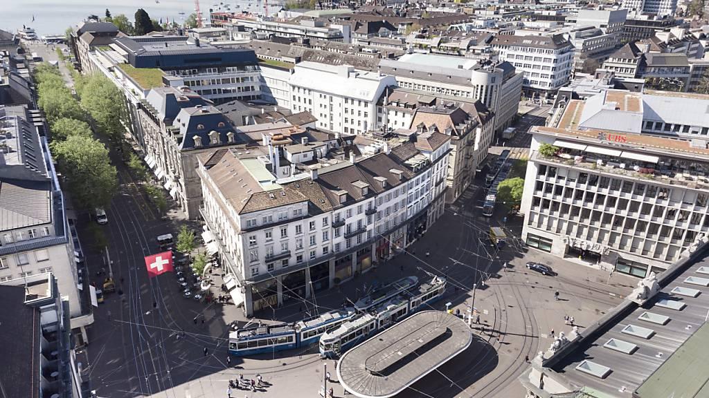 In der Schweiz sind im laufenden Jahr wieder deutlich mehr Übernahmen und Firmenfusionen durchgeführt worden. Und es sind auch noch einige weitere Transaktionen in der Pipeline.(Symbolbild)