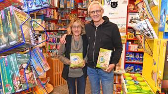 Barbara und Peter Herzog bieten ein Sortiment von rund 12'000 Artikeln an.
