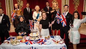 """Weniger Besucher zieht es ins Wachsfigurenkabinett """"Madame Tussauds"""", um mit Berühmtheiten wie Daniel Craig, William Shakespeare, der britischen Königin Elizabeth II. oder Barack Obama zu posieren."""