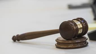 Das Dreiergericht verhängte für einen Problem-Drögeler eine unbedingte Freiheitsstrafe von 20 Monaten.