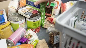 """""""Lebensmittel für alle"""" werden ab sofort samstags im Betriebsrestaurant """"chez SBB"""" an der Zürcher Hohlstrasse verteilt. (Symbolbild)"""