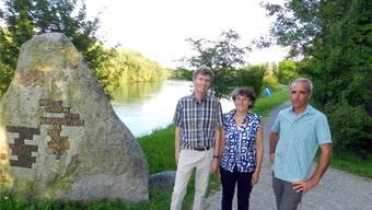 Thomas Burkard, Rosmarie Groux und Geschäftsführer Josef Fischer kümmern sich um den Schutz des Reusstals. BA