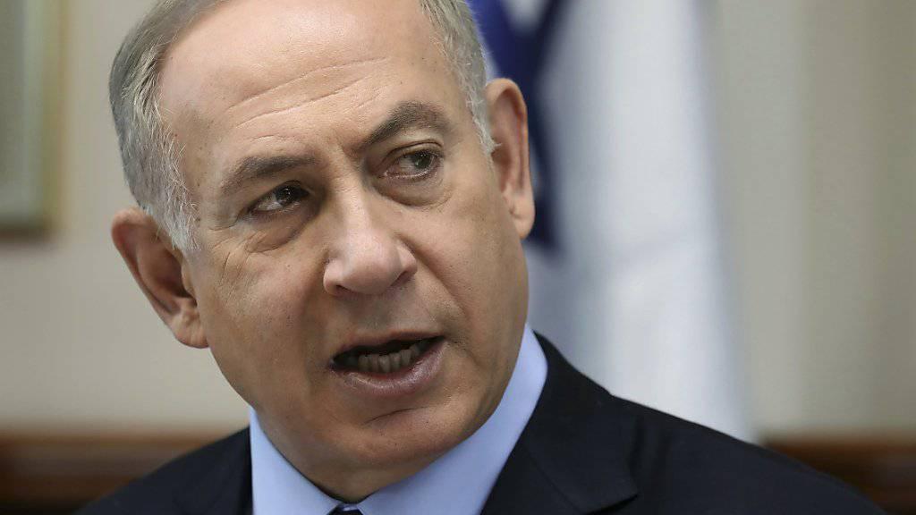 Israels Regierungschef Benjamin Netanjahu weist jegliche Vorwürfe der Vorteilsnahme ab. (Archivbild)
