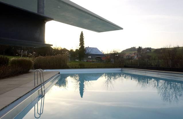 Das Schwimmbad Mühledorf hat ein 25m-Schwimmbecken.
