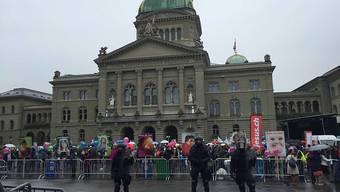 Bundesplatz in Bern: Hermetisch abgeriegelt, um Abtreibungsgegner vor Störaktionen zu schützen.