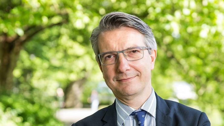 «Die Privatisierungsfrage gehört aufs Tapet», sagt Gesundheitsökonom Willy Oggier.