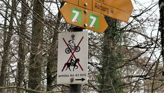 Wird unterschiedlich interpretiert: Ein Verbotsschild für Biker in der Nähe der Wartburghöfe.