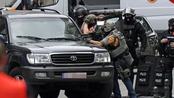 Am Mittwoch sorgte ein Polizeieinsatz in einem Stadtteil von Brüssel für Aufregung. Ein «verdrahteter» Mann hatte sich verschanzt.