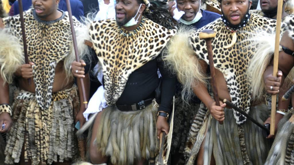 Südafrikas neuer Zulu-König inmitten von Familienzwist ernannt