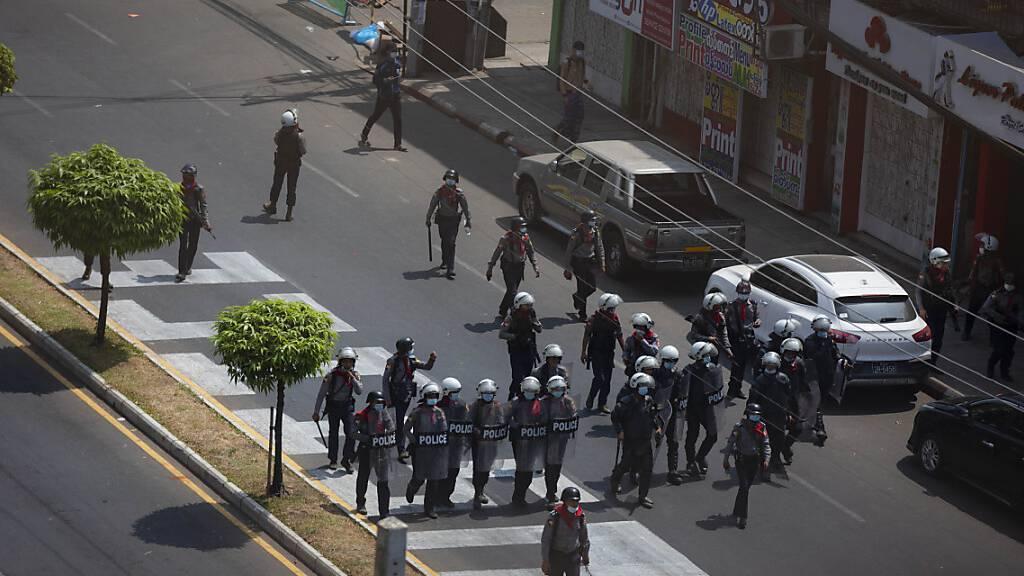 Polizei geht in Myanmar gegen Demonstranten vor