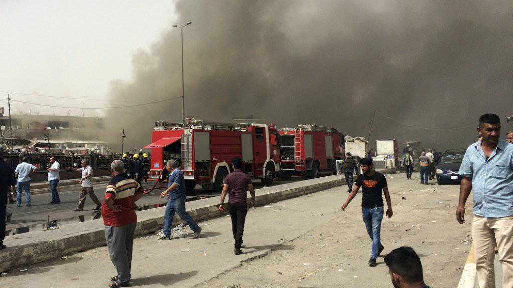 Im östlichen Stadtbezirk Neu-Bagdad detonierte eine Autobombe, die zahlreiche Menschen in den Tod riss.