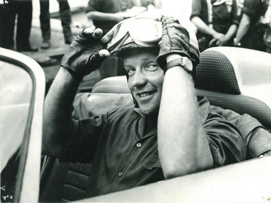 1960 fuhr Walter mit hochgekrempelten Ärmeln ein Rennen im Schwarzwald.