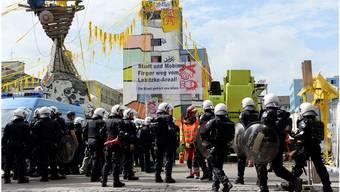Am 7. August 2014 beendete die Polizei die Besetzung der ehemaligen Farbenfabrik Labitzke in Zürich Altstetten: Der Einsatz kostete insgesamt 234000 Franken.