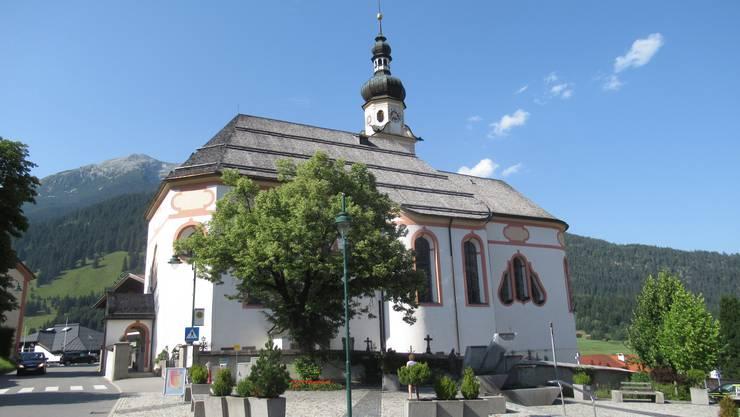 Die Pfarrkirche zur heiligen Katharina ist ein barockes Schmuckstück und Wahrzeichen von Lermoos.