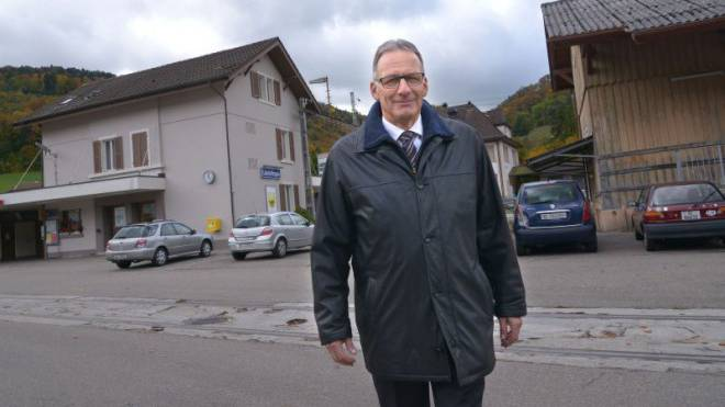 Gemeindepräsident Dieter Forter hat oft für den Bahnanschluss lobbyiert. Nun steht der schwierigste Kampf an.  Nicole Nars-Zimmer