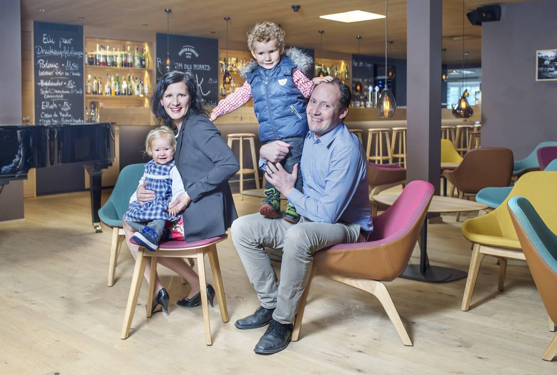 Michael Müller (rechts) mit seiner Familie (Bild: zVg)