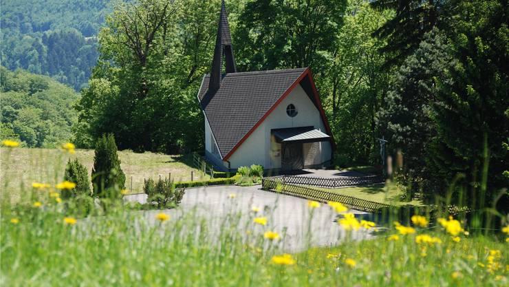 Die Heilig-Blut-Kapelle mit ihrer eigenwilligen architektonischen Formensprache.