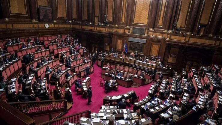 Der italienische Senat (hier in einem Archivbild) billigte am Samstag mit 140 zu 97 Stimmen das Budget für das kommende Jahr. Damit ist der Weg frei für Wahlen im kommenden Frühling.
