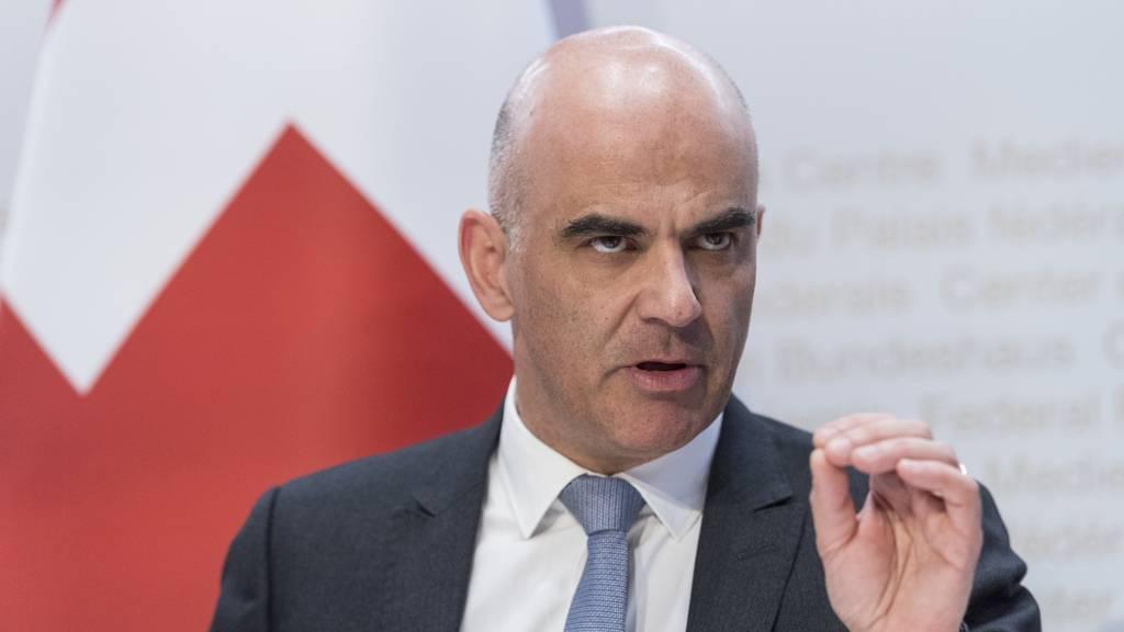 Gesundheitsminister Bersets Reaktion auf Kritik am Krisenmanagement des Bundes