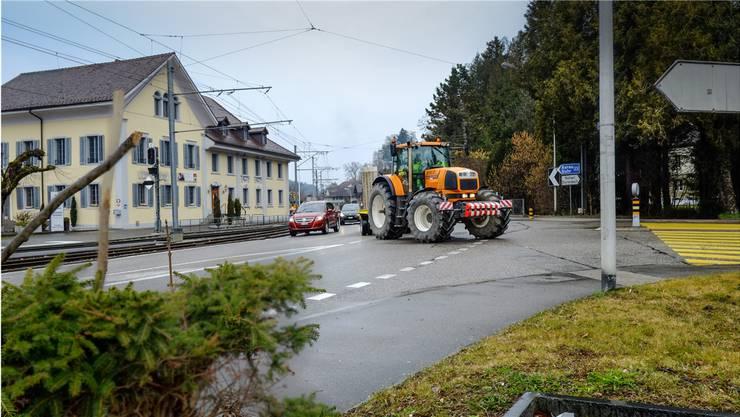 Die Sanierung und der Umbau des Knoten Wynentalstrasse-Dorfstrasse sind dringend geworden. psi