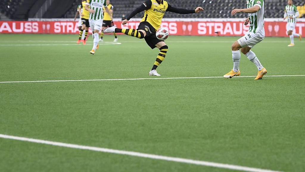 Christian Fassnacht zieht ab, ein Tor gelingt ihm und den Young Boys im Spitzenkampf mit St. Gallen aber nicht
