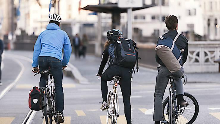 Die Initiative fordert in der Stadt Zürich 50 Kilometer autofreie Velorouten. (Symbolbild)