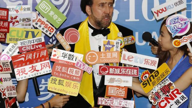 Umringt von Medienschaffenden: Schauspieler Nicolas Cage in Macao