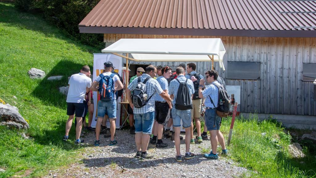Wandern und Bier degustieren kann man am Toggenburger Bierwandertag.