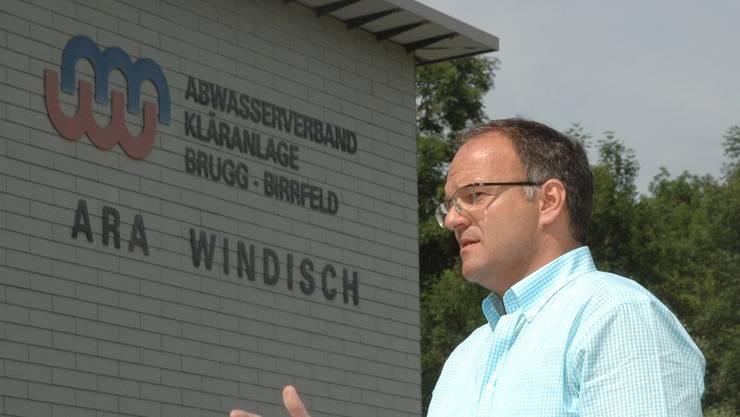 Fritz Wüthrich vom Ingenieurbüro Kuster und Hager erklärt das Bauvorhaben