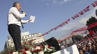 Präsidentschaftskandidat Muharrem Ince bei einem Wahlkampfauftritt in Ankara. Ince rief Präsident Recep Tayyip Erdogan zu einem TV-Duell auf.