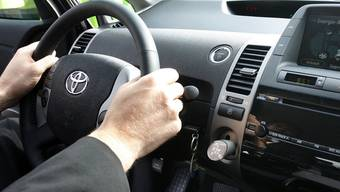 Ein Mann fährt 40 Jahre ohne Führerschein - unfallfrei, wie er behauptet (Symbolbild)