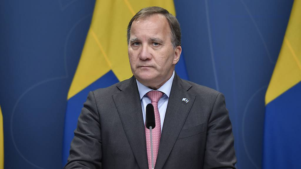 Schwedens Ministerpräsident Stefan Löfven hält eine Pressekonferenz. Foto: Stina Stjernkvist/TT NEWS AGENCY/AP/dpa