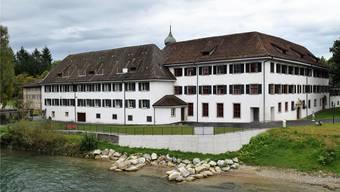 Der Westflügel des ehemaligen Klosters im Gnadenthal – im Dachgeschoss des linken Gebäudeteils sollen zusätzliche Zimmer eingebaut werden.