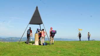 Über 350 Touren, Tourenwochen und gesellschaftliche Veranstaltungen hat der SAC Weissenstein letztes Jahr angeboten. Hier: Der Vermessungspunkt auf der Röti.