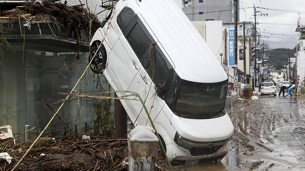 Mindestens 41 Tote in Japans Überflutungsgebieten